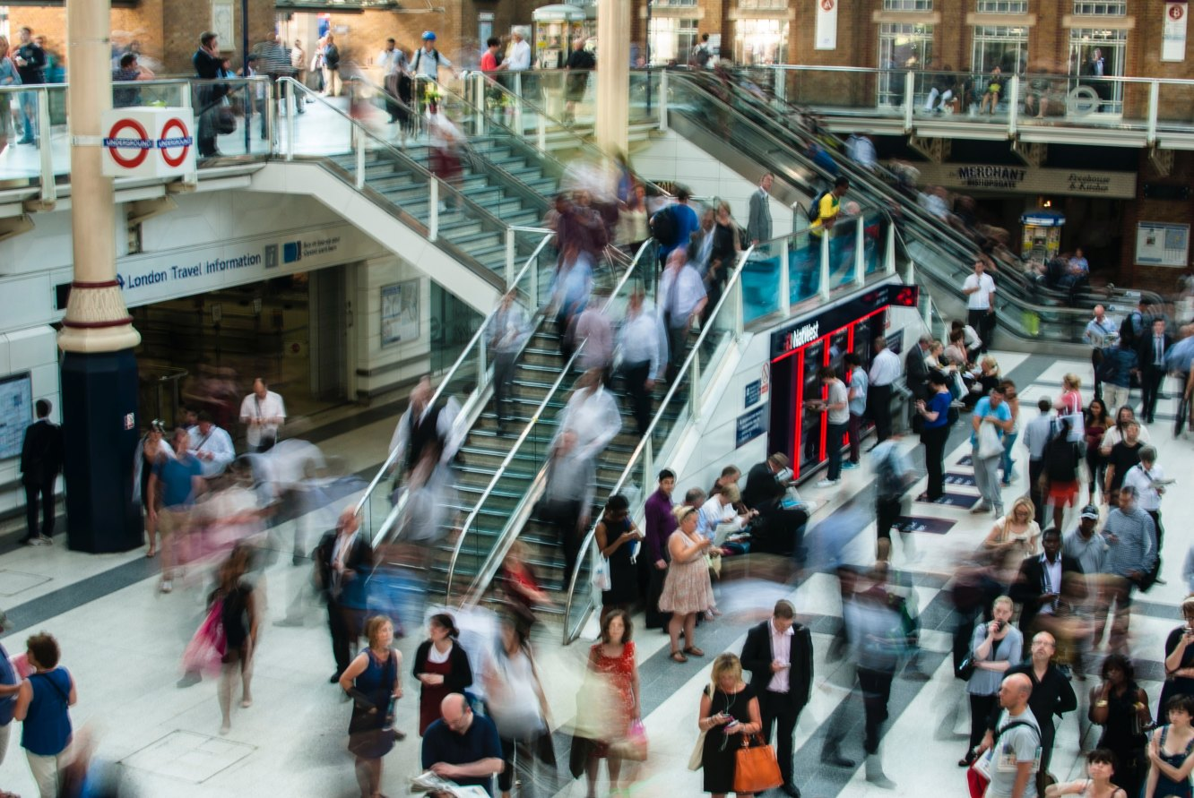 Online marketing tips Amazsites.com photo of people in London train station