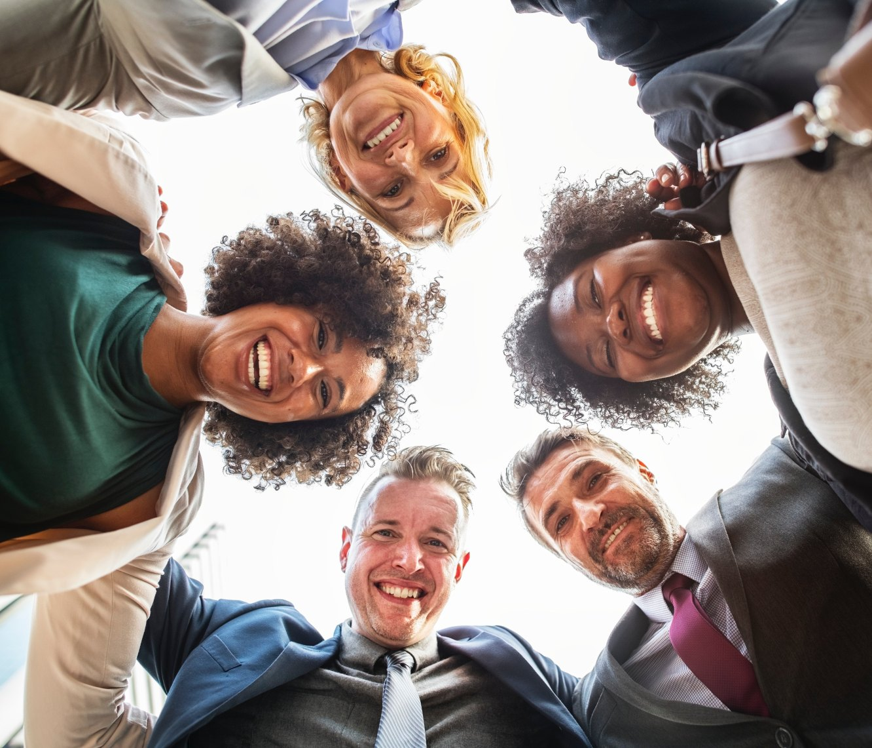 group of people - ai recruiter - online marketing tips - Amazsites.com