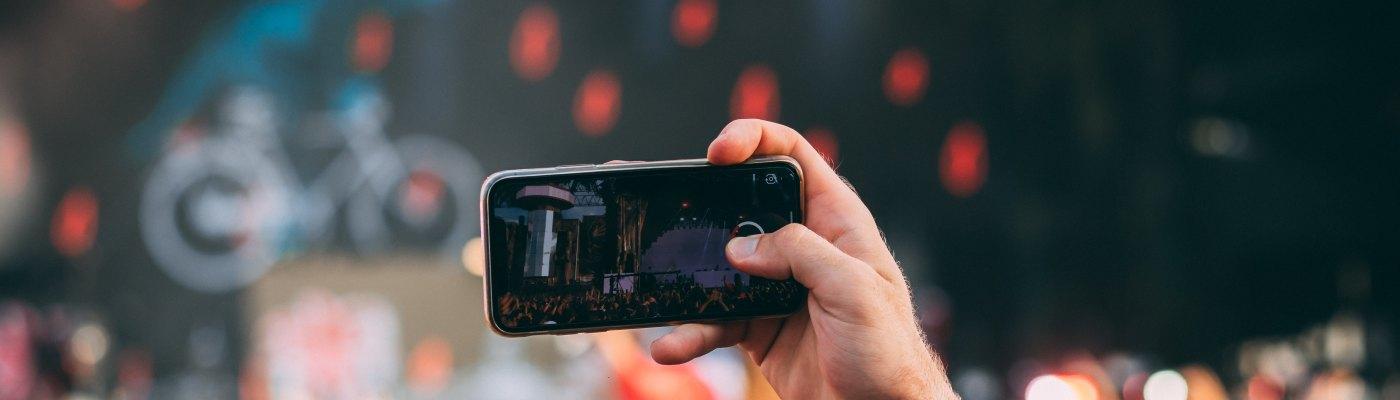 Amazsite.com - Social Media Trends Snapshot in 2018 and Beyond