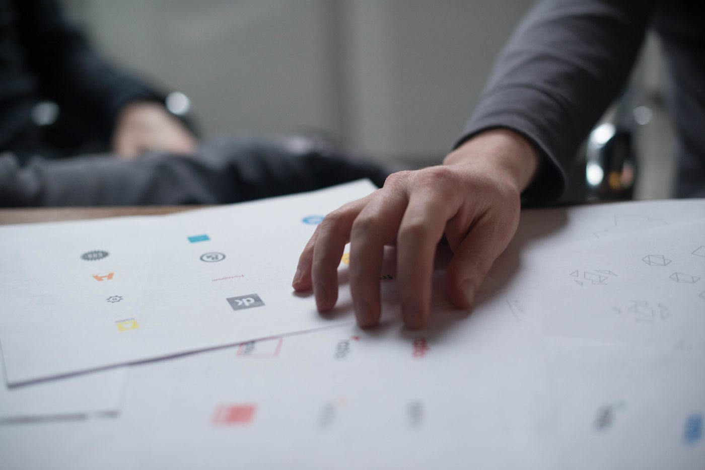 Amazsite.com - 7 Tips To Create Professional Logo With Designhill AI Logo Maker